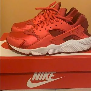 Women's air huarache run NIKE shoes